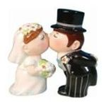 Westland Giftware -  Kissing Bride & Groom Wedding Salt & Pepper Shakers S/P 0748787934131